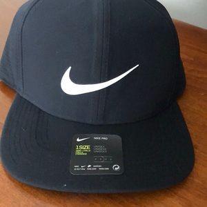 Men's Nike navy hat